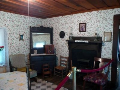Birthplace of Elvis Presley - Inside view of two-room house image. Click for full size.
