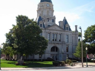Whitley County Court House at Columbia City, Indiana image. Click for full size.