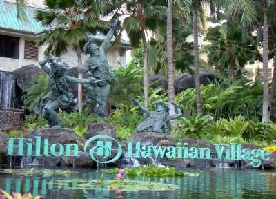 Sculpture at Entrance to Hilton Hawaiian Village image. Click for full size.
