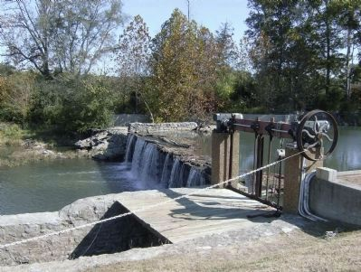 Lee and Gordon's Mill Dam image. Click for full size.