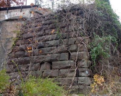 Close-up of the Abutment Photo, Click for full size
