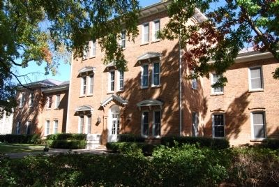 Smeltzer Hall, Newberry College image. Click for full size.