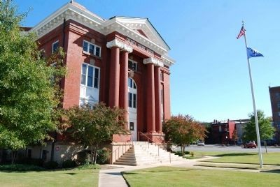 Newberry County Courthouse (5th and Current) image. Click for full size.