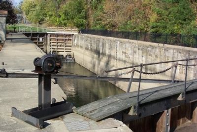Muskingum River Lock No. 10 image. Click for full size.