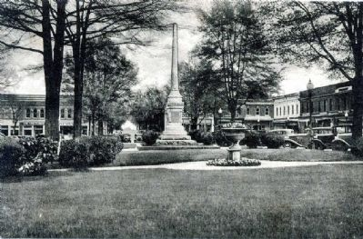 Abbeville Confederate Monument Photo, Click for full size