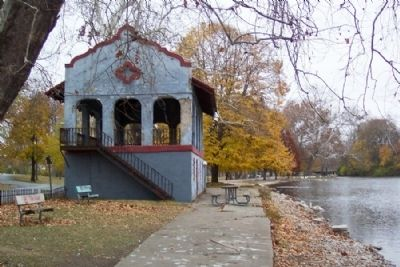 Snyder Park Shelter House by Pond image. Click for full size.