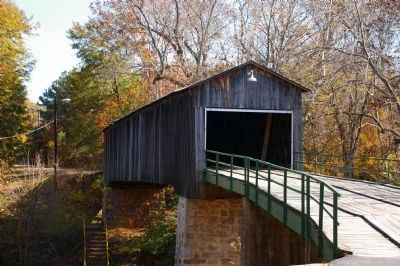 Euharlee Creek Covered Bridge image. Click for full size.