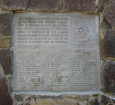 Pioneer Monument Marker Photo, Click for full size