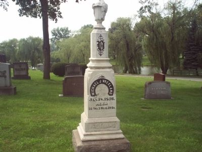 Another View of Vreeland's Grave Photo, Click for full size