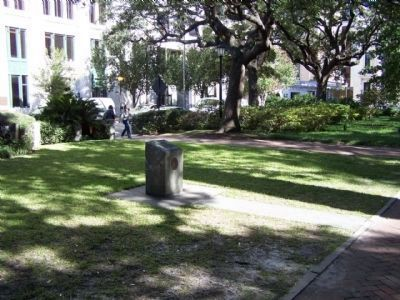 Savannah Historic District Marker in Johnson Square image. Click for full size.