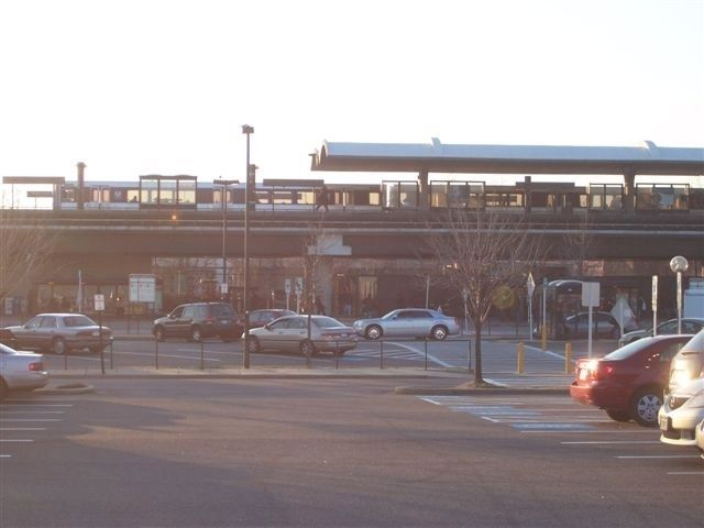 Rhode Island Avenue-Brentwood Metro Station image. Click for full size.