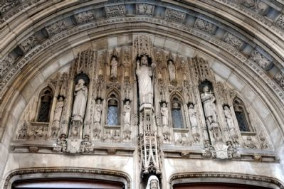 Saint Thomas Church carvings over main entrance Photo, Click for full size