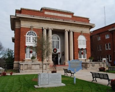 Abbeville County's Sixth Courthouse and Marker Photo, Click for full size