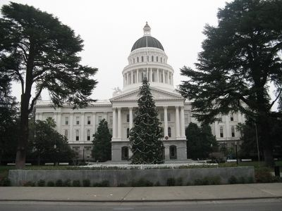 California State Capitol Building Photo, Click for full size