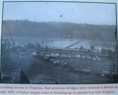Close up of the Pontoon Bridge Picture image. Click for full size.