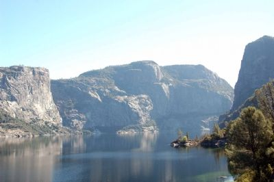 Hetch Hetchy Reservoir image. Click for full size.