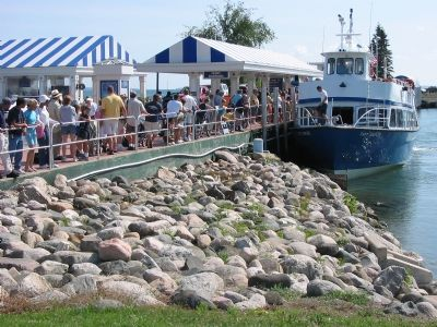 Ferry Boarding at Mackinaw City image. Click for full size.