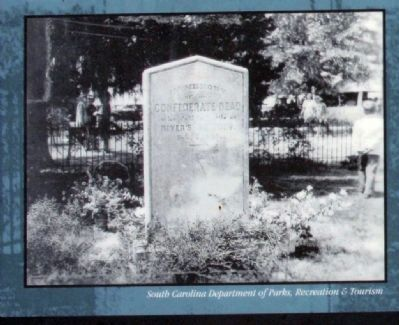 Our Confederate Dead Photo of Mass Grave Marker Photo, Click for full size