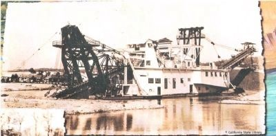 Close-Up of Photo on Marker - Dredging Photo, Click for full size