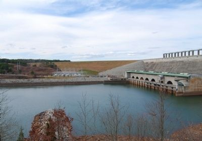 Richard B. Russell Dam from Overlook Photo, Click for full size
