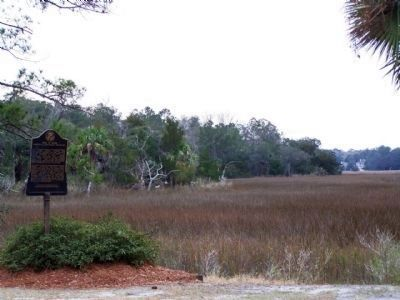 Isle of Hope Marker looking westward, towards Wormsloe plantation image. Click for full size.