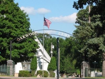 Oakwood Cemetery image. Click for full size.
