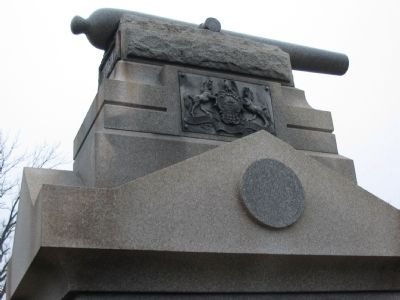 Replica 3-Inch Rifle on Top of Monument image. Click for full size.