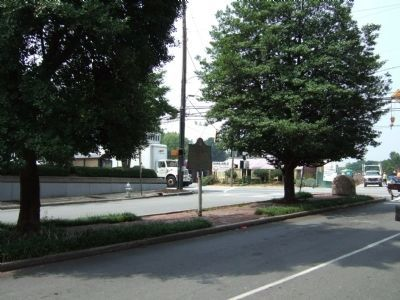 Battlefield of Peachtree Creek Marker facing Peachtree Street from Palisades Road image. Click for full size.