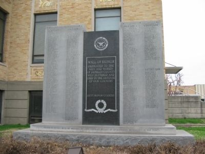 Dunklin County War Memorial image. Click for full size.