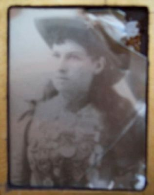 Annie Oakley Photograph on Marker image. Click for full size.