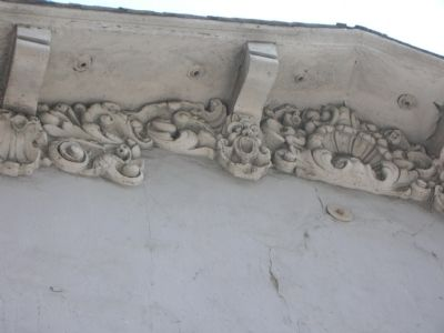 The cornice detail on remains image. Click for full size.