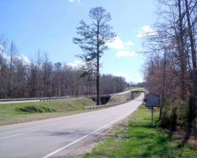 Chamberlain's Bed Marker on Boydton Plank Road (facing south). image. Click for full size.