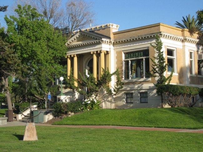 Carnegie Library in Carnegie Park in Livermore image. Click for full size.