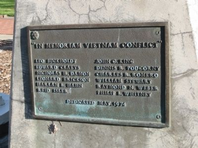 Mills Square Flag Pole - Vietnam Memorial Plaque image. Click for full size.