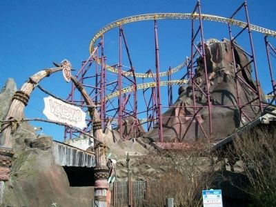 Volcano and entrance Photo, Click for full size
