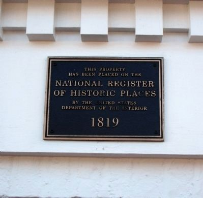 Colonial Manor NRHP Plaque image. Click for full size.