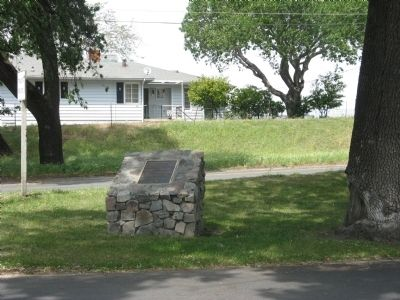 Isleton�s Historic Old Town Marker Photo, Click for full size