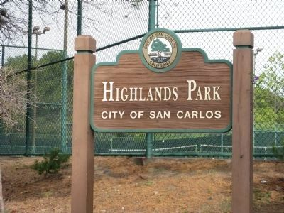 Entrance To Highlands Park image. Click for full size.