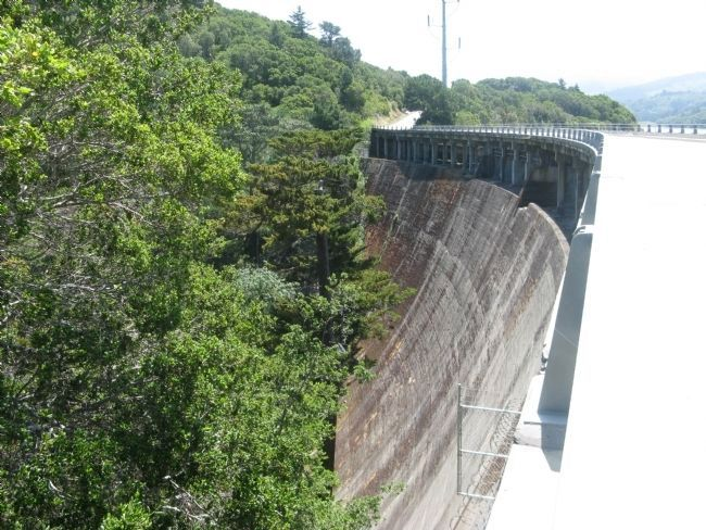Crystal Springs Dam image. Click for full size.