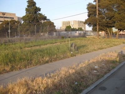 Oakland's First Public School Missing Marker - Wide Shot image. Click for full size.