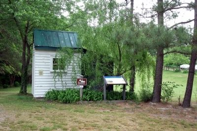 Piney Grove CWT Marker & Exhibit Shed. image. Click for full size.