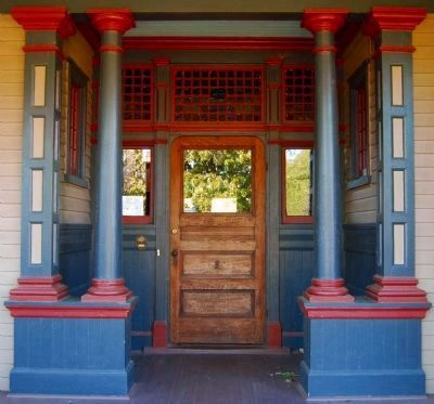The Bundy-Barksdale-McGowan House -<br>Front Entrance Detail Photo, Click for full size