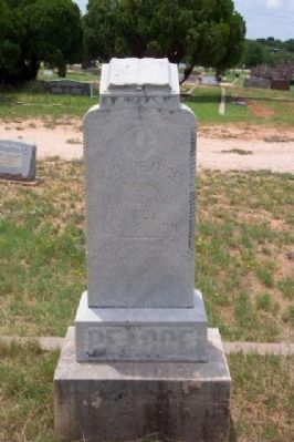 Henry Davis Pearce Tombstone image. Click for full size.