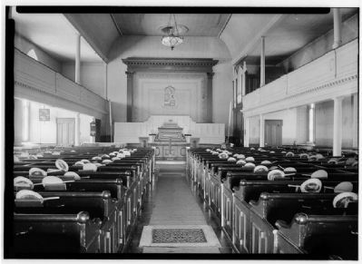 Interior of Old North Church image. Click for full size.
