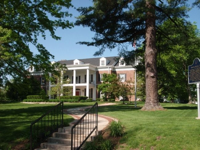 Kappa Alpha Theta - Fraternity House Photo, Click for full size