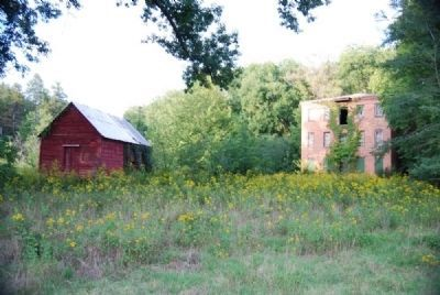 Outbuilding (Left) and Calhoun Mill (Right) image. Click for full size.