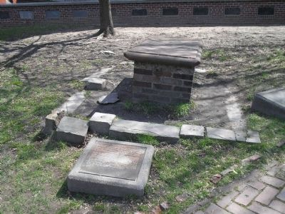 Marker in Copp's Hill Burying Ground image. Click for full size.