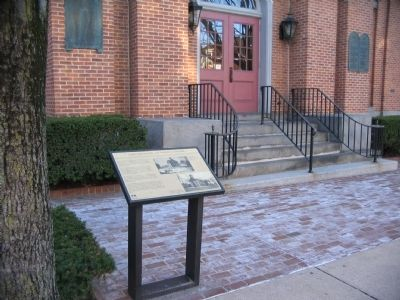 Marker in Front of the Courthouse image. Click for full size.