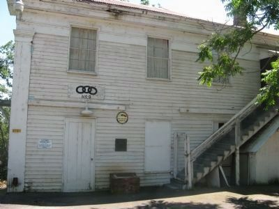 Diamond Springs I.O.O.F. No. 09 Lodge Hall and Markers Photo, Click for full size