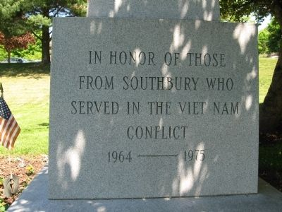 Southbury Veterans Memorial (west face) image. Click for full size.